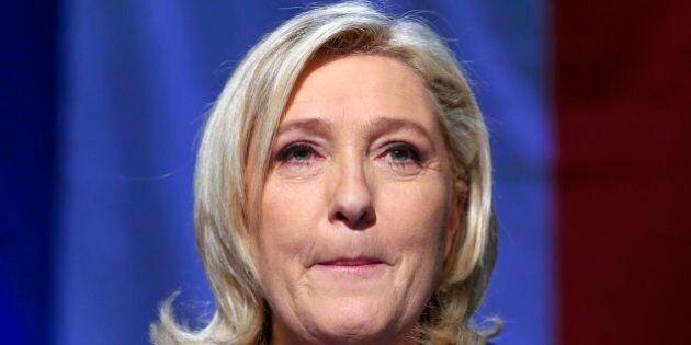 Elezioni Francia, Marine Le Pen sconfitta. La diga contro il Front National tiene ancora una
