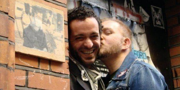 Il primo bacio di un bambino gay. La mia storia d'amore in quarta