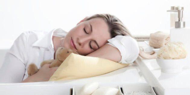 Dormi troppo? 8 rischi per la tua salute: depressione, diabete, danni per il cuore, morte precoce