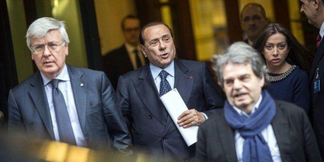 Silvio Berlusconi, mal di testa fra Rai e Olgettine. Brunetta solitario al Colle simbolo della vittoria...