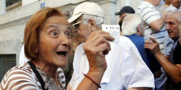 Crisi Grecia, la rabbia dei pensionati: