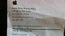 La Apple gli regala un insulto omofobo sullo scontrino