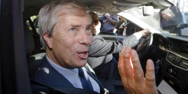 In Telecom è scontro Francia-resto del mondo. All'assemblea Vivendi darà battaglia ma il fronte dei fondi...