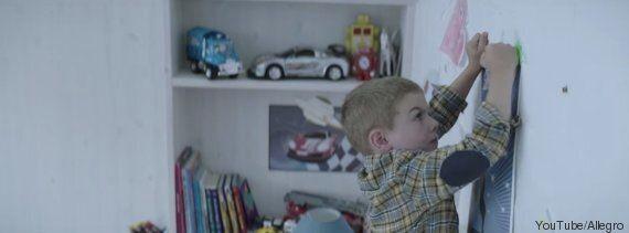 VIDEO. L'amore di una famiglia riempie una casa più di qualsiasi oggetto di