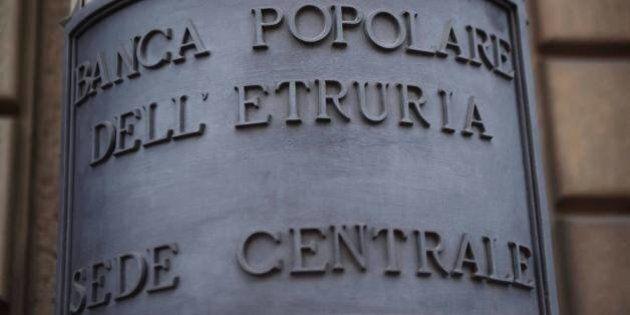 Banca Etruria, indagati per conflitto d'interessi gli ex vertici Lorenzo Rosi e Luciano