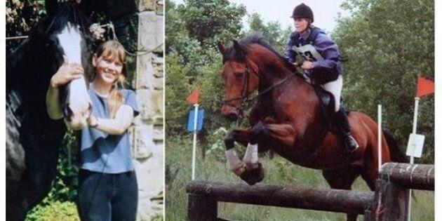 Il cavallo muore, il giorno dopo lei si uccide per il