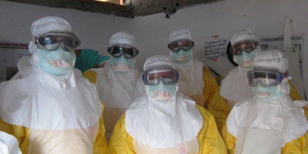 Ebola, malati fuggiti in Liberia non sono ancora stati ritrovati. Regno Unito allerta le