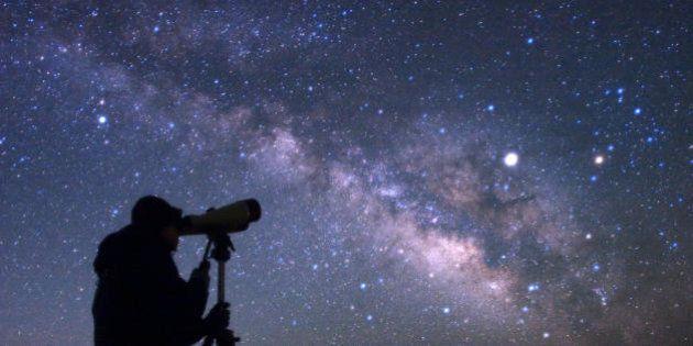 19 motivi per cui vale la pena guardare il cielo nel 2016. Tre superlune, congiunzioni di pianeti e piogge...