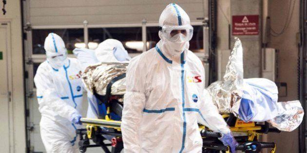 Ebola, medico italiano Emergency contagiato arrivato allo Spallanzani di