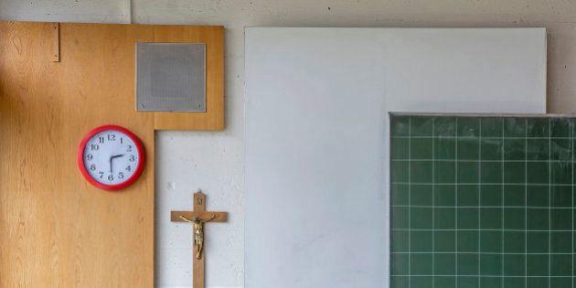 Scuola, 2000 insegnanti di religione in più in 10 anni. Ma gli alunni diminuiscono