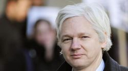 Assange chiede asilo a Hollande: