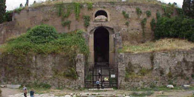 Roma, allagato il Mausoleo di Augusto nella giornata che ricorda i duemila anni dalla morte: rotta una...
