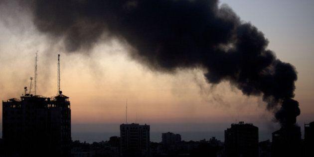 Gaza, lancio di razzi su Israele rompe la tregua. Netanyahu ordina risposta dell'esercito. Nuovi raid...