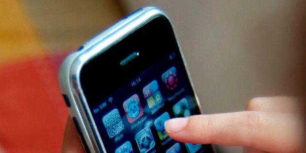 iPhone, 8 cose che non ha. Dalla tastiera Swype alla memoria espandibile: la lista dei