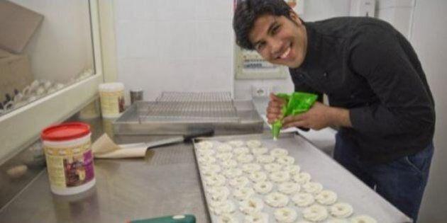La storia di Hilal, da kamikaze bambino a pasticciere a Roma: