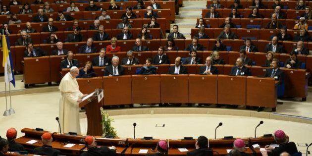 Il Papa scambia il Parlamento europeo per una parrocchia di