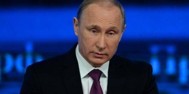 Vladimir Putin, lifting facciale e allenamento in palestra: ossessionato dal decadimento fisico e picchiava...