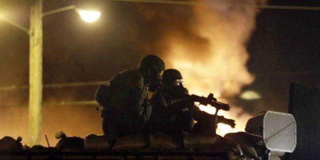 Ferguson, poliziotti militarizzati come i marines. Così l'esercito Usa ha contaminato gli agenti di strada