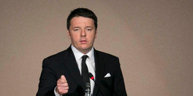 Matteo Renzi porta Jobs act e liberalizzazioni in Cdm, scontro con Ncd. Padoan a Bruxelles, salta il...