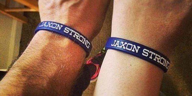 Nato con mezzo cervello, i medici gli avevano dato poche ore di vita invece Jaxon ha compiuto un
