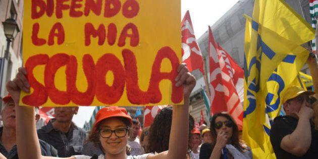 Scuola. E il sindacato resta solo in piazza: la minoranza Pd non ci sarà. Presente solo