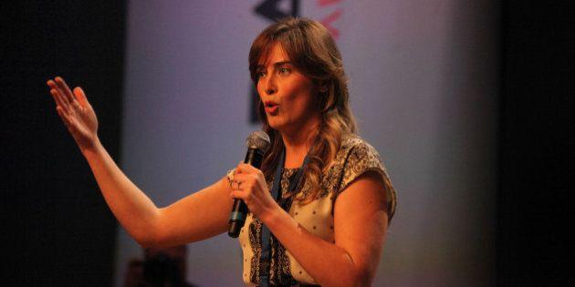 Sondaggio: Maria Elena Boschi non deve dimettersi per la metà degli