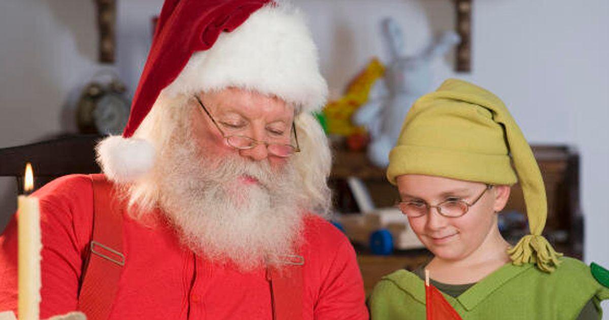 Esiste Babbo Natale Si O No.Il Prete Ai Bambini Babbo Natale Non Esiste I Genitori Si Vestono Da Elfi Per Protesta L Huffpost