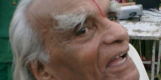 Yoga, Iyengar è morto. Lutto mondiale per yogi e yogini, milioni i suoi adepti