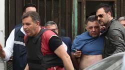 CECCHINO IMPAZZITO - A Napoli infermiere spara dal balcone col