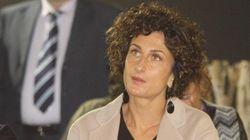 E Agnese Renzi prese la parola al liceo per difendere la buona