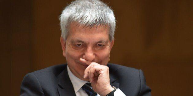 Nichi Vendola baby pensionato: 10mila euro al mese per il doppio vitalizio. Grillo attacca, il leader...
