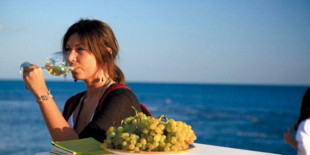 Fine agosto siciliano con vini da meditazione e ricette perdute, tra filari e fornelli