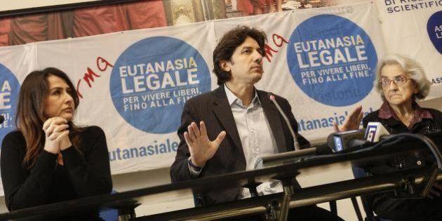 Eutanasia, l'autodenuncia dei radicali: