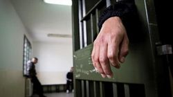 Carceri, l'eterna emergenza che odora di