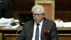 Barani entra in Senato, M5S protesta