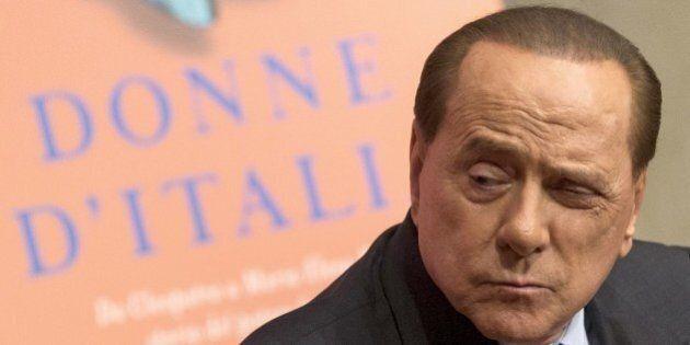 Silvio Berlusconi sempre più lontano da Forza italia. Natale senza brindisi, partito nel