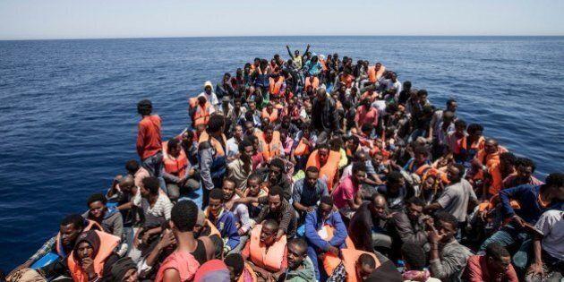 Ue, nel documento ufficiale non sono previste missioni militari in acque libiche. E scompare l'affondamento...