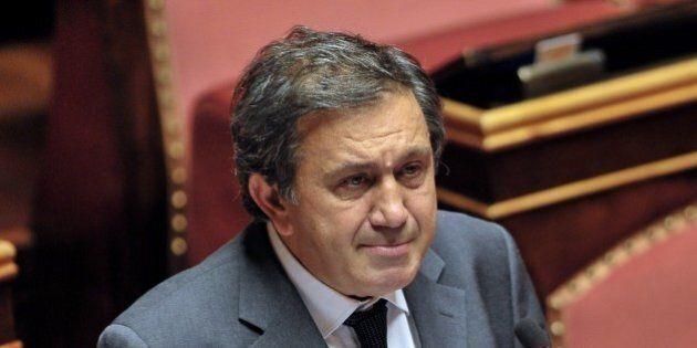 Antonio Azzollini dimissioni, il presidente della Commissione bilancio lascia l'incarico per l'inchiesta...