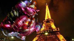 Cinque droni hanno sorvolato Parigi nella