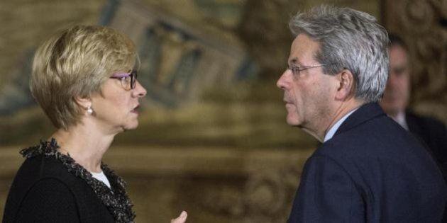 Gentiloni e Pinotti, due (ex) pacifisti in