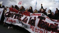 Studenti e lavoratori in piazza in Francia contro il Jobs Act di