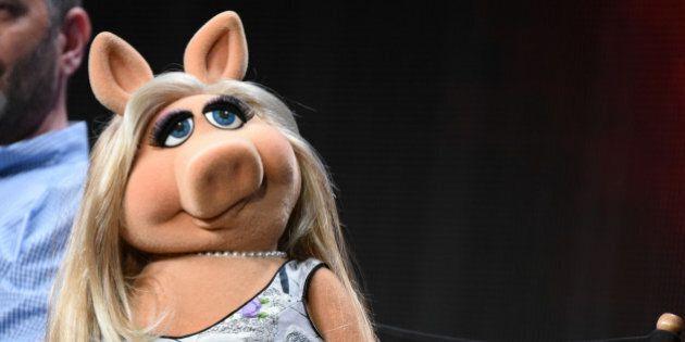 Miss Piggy participates
