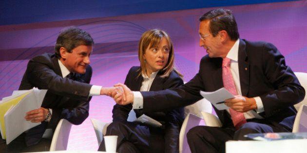 An, Giorgia Meloni si tiene il simbolo e sconfigge Gianni Alemanno e Gianfranco