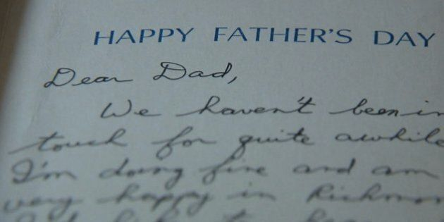 Riceve un biglietto d'auguri del figlio morto per la festa del papà, 26 anni