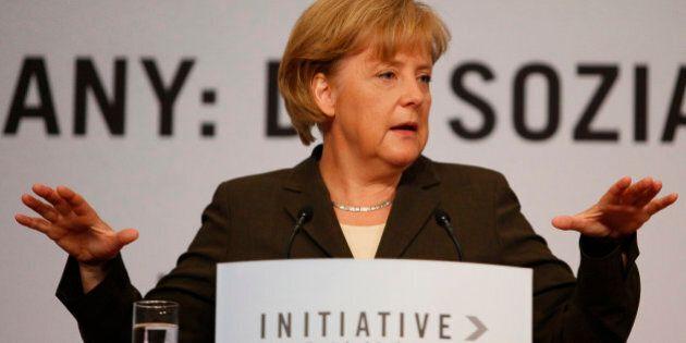 Ue, Angela Merkel lancia Luis de Guindos come presidente dell'Eurogruppo e smuove il risiko delle nomine