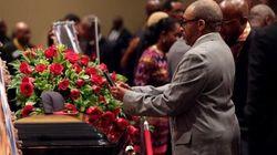 Centinaia di fedeli per i funerali di Michael Brown (DIRETTA