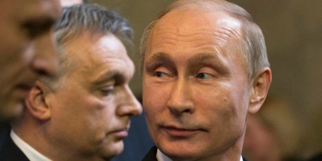 Vladimir Putin rilancia la guerra del gas su due fronti. Accusa Kiev di