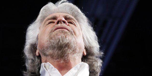 M5S, cosa resta del sogno di Grillo? Gli eletti intascano oltre il 90% dei rimborsi. E i militanti lasciano...