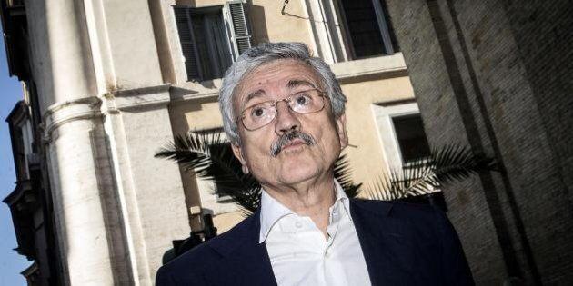 Massimo D'Alema dà un nuovo schiaffo a Matteo Renzi: con l'Italicum