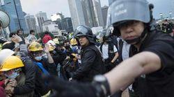 Ancora scontri a Hong Kong: 40 arresti e 37